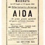 Pubblicità lanciata dall'aereo per la prima Aida maceratsere Musiculturaonline