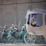 La Cenerentola-Serena Malfi Angelina nella carrozza (®Yasuko-Kageyama) Musiculturaonline
