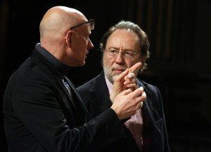 Alvis Hermanis (a sx) e Riccardo Chailly Musiculturaonline
