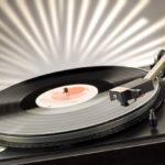 disco-in-vinile-dj-s-materiale-fotografico_38-4383 Musicultutaonline