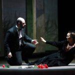 4 UN BALLO IN MASCHERA in scena Otar Jorjikia Riccardo o Re Gustavo e Ana Petricevic nel ruolo di Amelia @bo Musiculturaonline