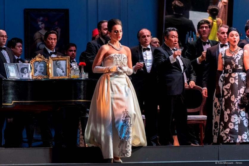 """""""Traviata"""" nello splendido ritrovato Teatro Galli di Rimini"""