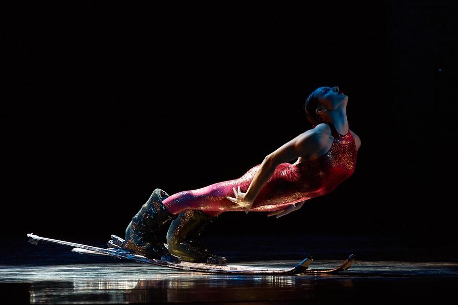 """""""PLAY"""": l'affascinante teatro-danza di KATAKLÒ"""