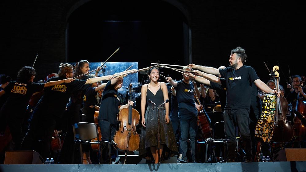 "L'energia dei ""100 cellos"" travolge lo Sferisterio"