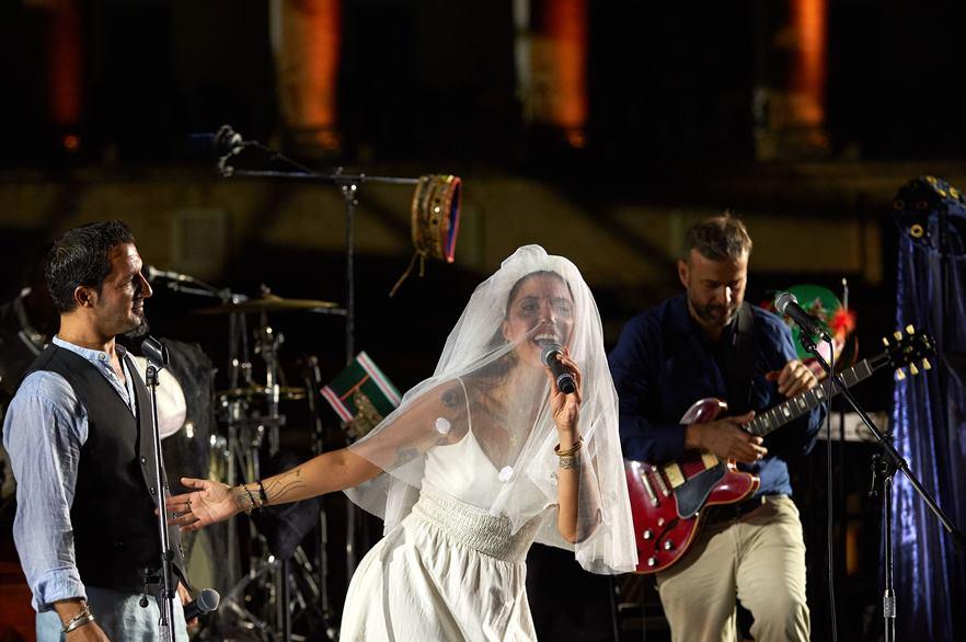 L'Orchestra di Piazza Vittorio sul palco dello Sferisterio di Macerata