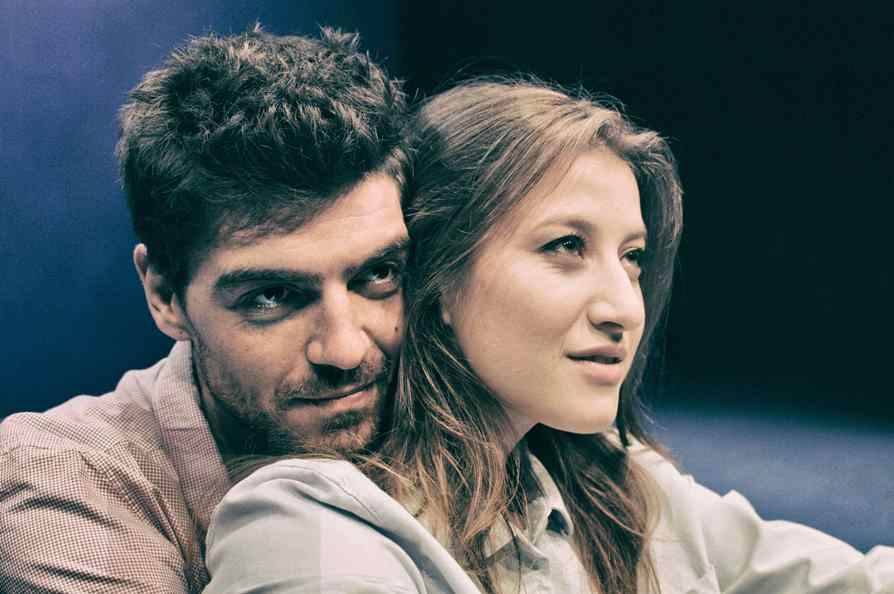 """Sara Putignano e Davide Gagliardini in """"LUNGS"""" al Parenti di Milano"""