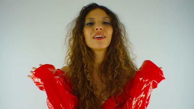 """In uscita il nuovo singolo e videoclip di Smarties """"Fumo sempre troppo"""""""