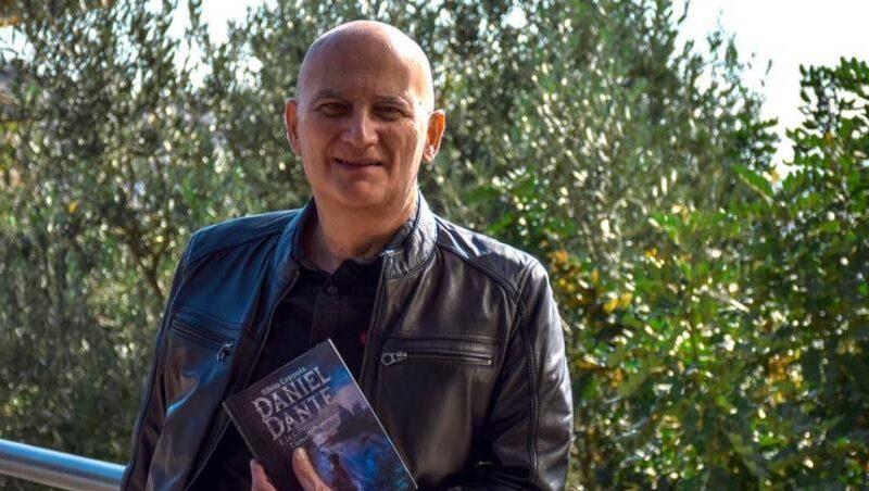 """Nostra intervista a Silvio Coppola autore del romanzo """"Daniel Dante e la Compagnia del Lumen Magico"""""""