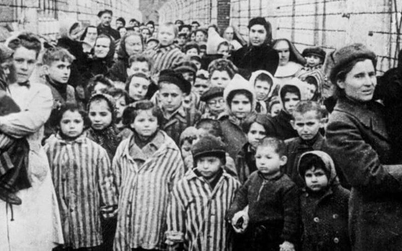 Guccini/Auschwitz – Zachenburg/Terezìn: per non dimenticare