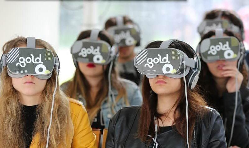 """Elio Germano e il teatro virtuale: """"Segnale d'allarme – La mia battaglia VR"""""""